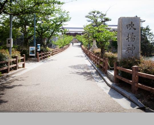 写真:お堀の入り口